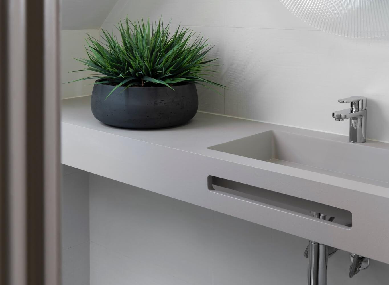 plumb-gallery-ensuite-sink